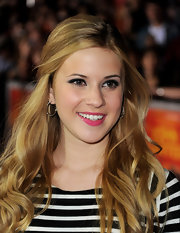 Caroline Sunshine wore a bright pink lipstick under a coat of clear gloss at the premiere of 'John Carter.