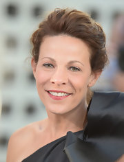 Lili Taylor chose a rosy pink lipstick to complement the pink of her cheeks.