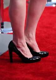 Bryce wore a classic black pair of patent leather pumps with her Doo.Ri mini dress.