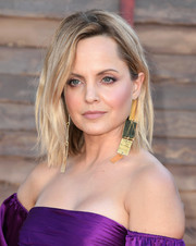 Mena Suvari rocked a messy-chic lob at the premiere of 'IT Chapter Two.'