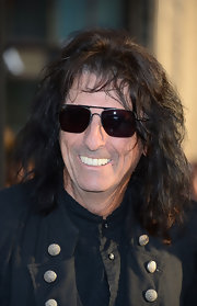 Alice Cooper rocked aviator sunglasses like the true rockstar he is.