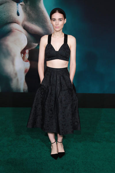 Rooney Mara finished off her '50s-chic look with a flared black skirt, also by Hiraeth.