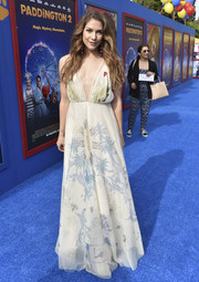 Allison Holker looked enchanting in a printed maxi dress with a deep-V neckline at the premiere of 'Paddington 2.'