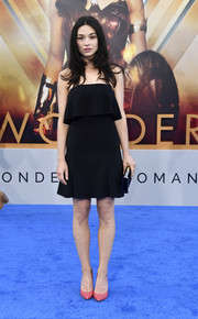 Crystal Reed was cute and flirty in a strapless LBD with a layered bodice at the premiere of 'Wonder Woman.'
