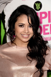 Jasmine Villegas made edgy hair look so gorgeous when she sported this loose ponytail at the 'Vampire Academy' premiere.