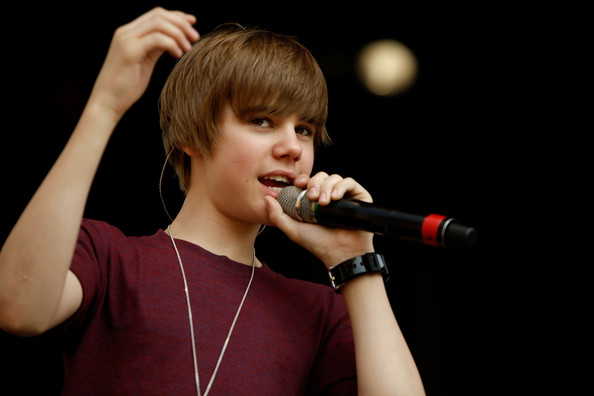 More Pics of Justin Bieber Moptop (1 of 10) - Shoulder Length Hairstyles Lookbook - StyleBistro