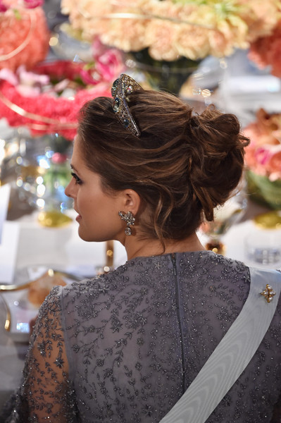 Princess Madeleine Loose Bun [hair,hairstyle,beauty,lady,chignon,fashion,long hair,bun,fashion accessory,brown hair,madeleine of sweden,nobel prize,stockholm,city hall,sweden,nobel prize banquet]