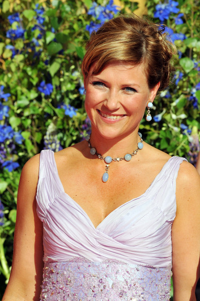 Princess Martha Louise Gemstone Choker Necklace [hair,hairstyle,beauty,dress,shoulder,blond,cocktail dress,smile,victoria,daniel westling,martha louise of norway,arrivals,dinner,pre wedding dinner,sweden,the eric ericson hall,stockholm,government]
