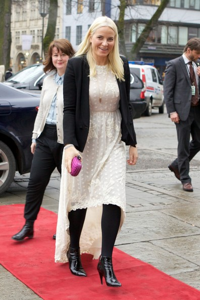 Princess Mette-Marit Embroidered Dress [clothing,street fashion,fashion,snapshot,dress,footwear,red carpet,leg,outerwear,carpet,mette-marit presents the co-op awards,princess,awards,oslo,norway,national theatre,co-op]