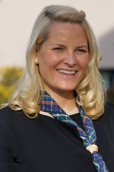 Princess Mette-Marit Half Up Half Down [hair,blond,face,hairstyle,lady,chin,smile,long hair,oslo,norway,norway attends international scouts gathering,crown princess,mette-marit]