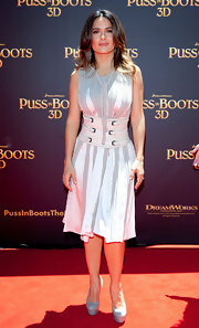 Salma Hayek was a vision in light gray at the Australian premiere of 'Puss in Boots.' The Latin starlet topped off her look with platform slingbacks.