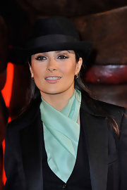 Salma Hayek wore black liquid liner and eye-defining neutral shadows at the UK premiere of 'Puss in Boots.'