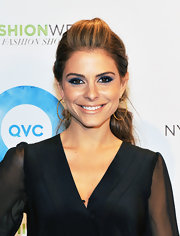 Maria Menounos wore her bright brown eyes lined with vibrant shades of indigo and violet at QVC's 2012 Fall Runway Show.