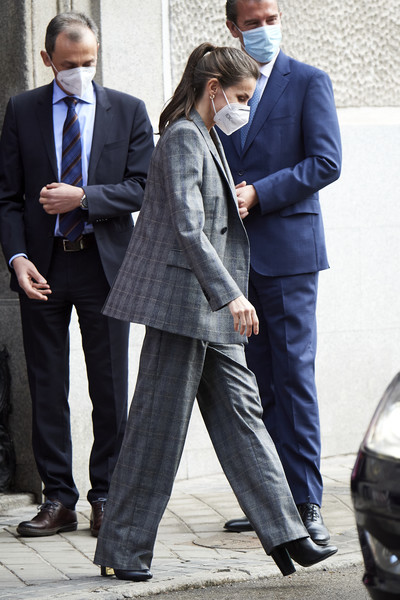More Pics of Queen Letizia of Spain Wool Coat (4 of 32) - Queen Letizia of Spain Lookbook - StyleBistro [letizia arrives at the royal academy of engineering,suit trousers,clothing,trousers,shoe,photograph,coat,leg,dress shirt,black,street fashion,shoe,necktie,jeans,queen,letizia,white-collar worker,coat,fashion,spain,blazer,coat,fashion,necktie,jeans,white-collar worker,shoe,gentleman,business,dos gardenias stein square neck bralette bikini top]