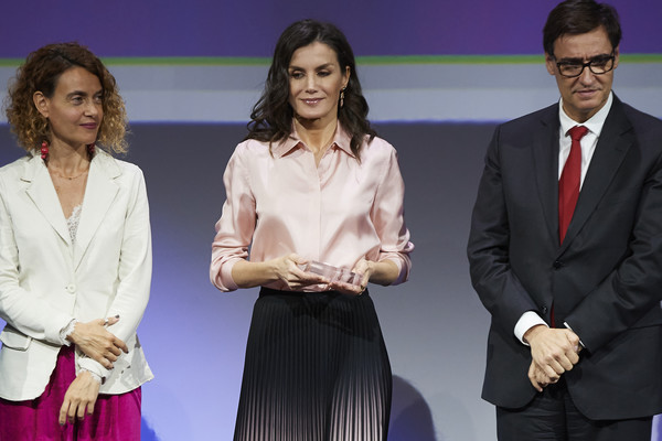 More Pics of Queen Letizia of Spain Button Down Shirt (1 of 41) - Tops Lookbook - StyleBistro [event,fashion,suit,performance,formal wear,award,white-collar worker,gesture,queen,letizia,letizia attends,salvador illa,president,congress meritxell batet,l-r,spain,rare diseases world day,event,public relations,suit,socialite,public]