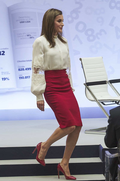 More Pics of Queen Letizia of Spain Pumps (4 of 17) - Heels Lookbook - StyleBistro [clothing,fashion,yellow,fashion design,high heels,footwear,leg,dress,model,waist,letizia o spain attends 10th anniversary,queen,microfinanzas bbva,spain,madrid,microfinanzas bbva foundation,bbva bank foundation]