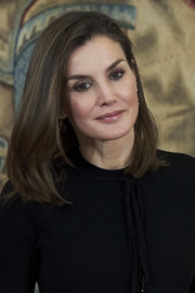 Queen Letizia of Spain stayed classic with this mid-length bob at the Tomas Salcedo Award.