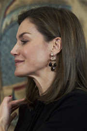 Queen Letizia of Spain accessorized with a pair of gemstone chandelier earrings at the Tomas Salcedo Award.