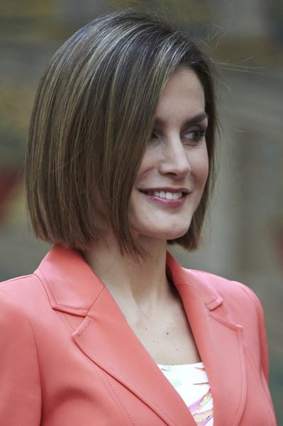 Queen Letizia of Spain Bob [hair,face,hairstyle,blond,chin,lady,beauty,layered hair,lip,brown hair,royals,letizia,bicentenary,greatness,spain,spanish,madrid,el pardo palace,council]