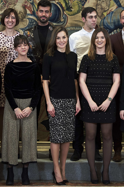 Queen Letizia of Spain Knit Top [letizia of spain delivers the,queen,tomas salcedo,award,tomas salcedo award,c,social group,people,fashion,event,dress,little black dress,family,fashion design,spain,madrid,zarzuela palace]