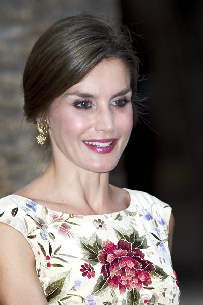 Queen Letizia of Spain Loose Bun
