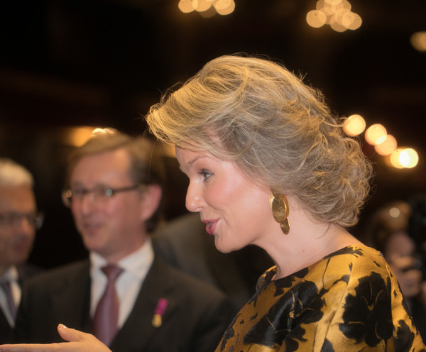 Queen Mathilde of Belgium Short Curls [philippe of belgium,mathilde of belgium,pinocchio,the pinoccio opera in brussels,hair,lady,hairstyle,event,fashion,human,formal wear,fun,ceremony,smile,belgium,brussels,royal monnaie]