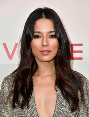 Jessica Gomes opted for a casual center-parted 'do when she attended the #REVOLVEawards.
