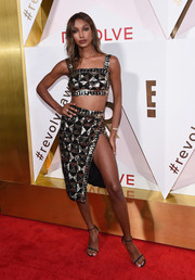 Jasmine Tookes completed her matchy-matchy attire with a high-slit pencil skirt.