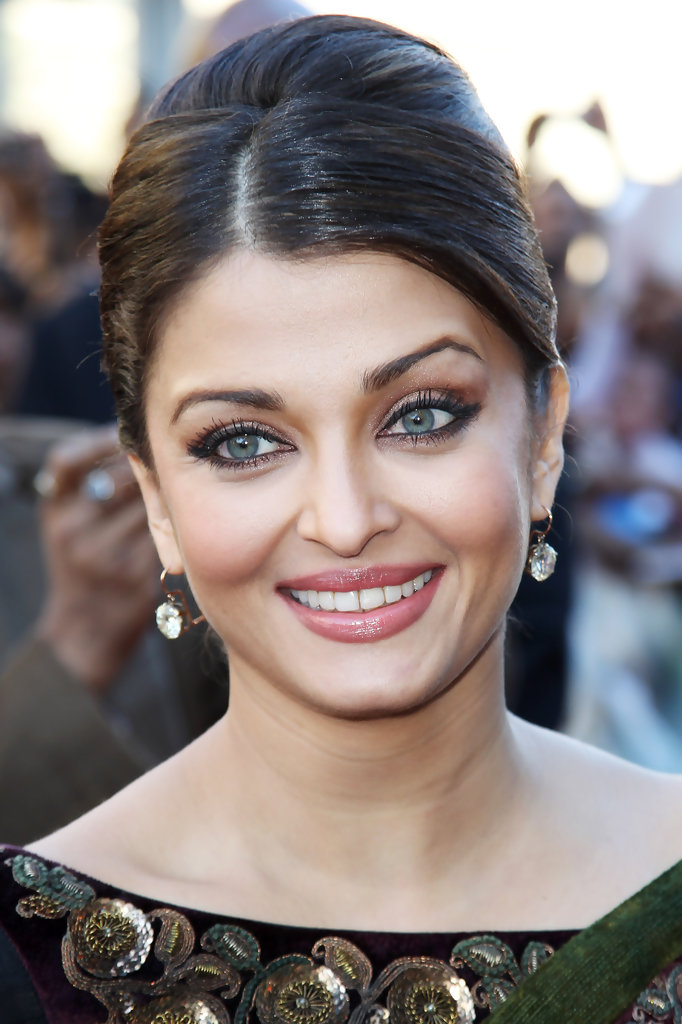 (UK TABLOID NEWSPAPERS OUT) Aishwarya Rai attends the world premiere of Raavan held at The BFI Southbank on June 16, 2010 in London, England.