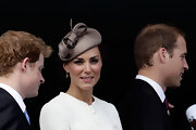 Kate was chic at the Epson Derby in a taupe beret-style decorative hat.