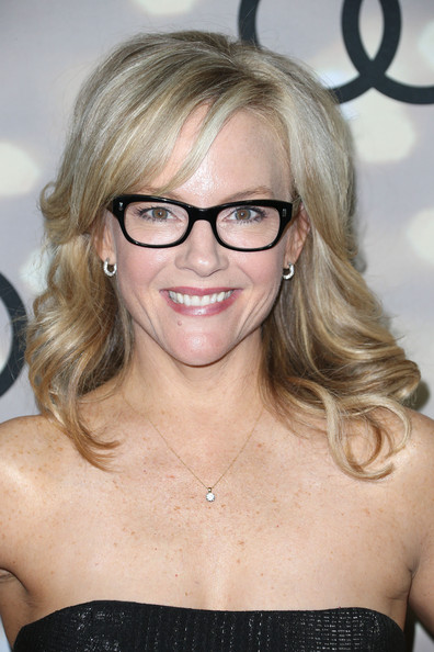 Rachael Harris Medium Wavy Cut with Bangs