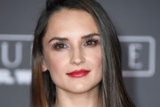Rachael Leigh Cook Long Straight Cut