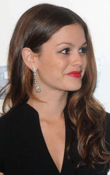 Rachel Bilson Dangling Diamond Earrings [hair,face,hairstyle,eyebrow,lip,chin,long hair,ear,beauty,cheek,arrivals,rachel bilson,red carpet,amfar milano,milan,italy,amfar,inaugural milan fashion week,event,event]