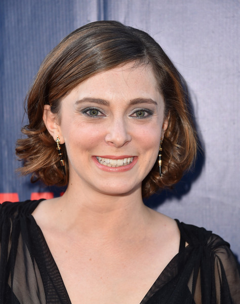 Rachel Bloom Curled Out Bob []
