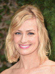 Beth Behrs looked lovely wearing this half-up wavy 'do at the Rape Foundation's annual brunch.