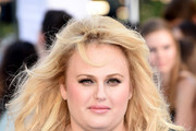 Rebel Wilson Long Wavy Cut