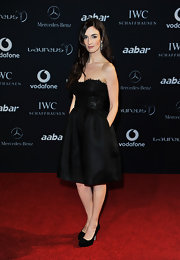 Paz Vega looked striking in black suede pumps.