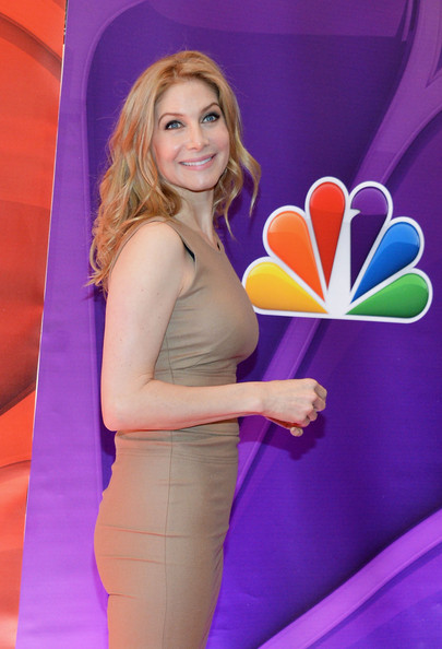 More Pics of Elizabeth Mitchell Long Wavy Cut (1 of 4) - Elizabeth Mitchell Lookbook - StyleBistro