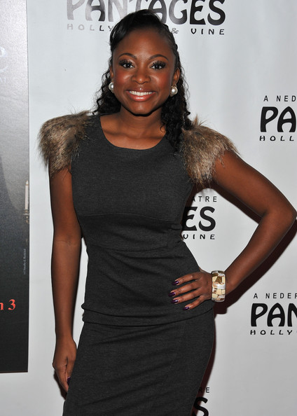 More Pics of Naturi Naughton Pearl Studs (4 of 5) - Naturi Naughton Lookbook - StyleBistro
