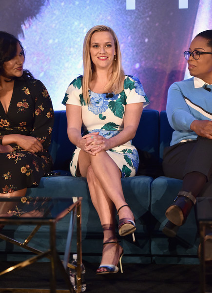 Reese Witherspoon Print Dress [a wrinkle in time,fashion,event,thigh,leg,performance,sitting,talent show,long hair,fashion design,actors,oprah winfrey,reese witherspoon,mindy kaling,l-r,hollywood,ca,disney,press conference]