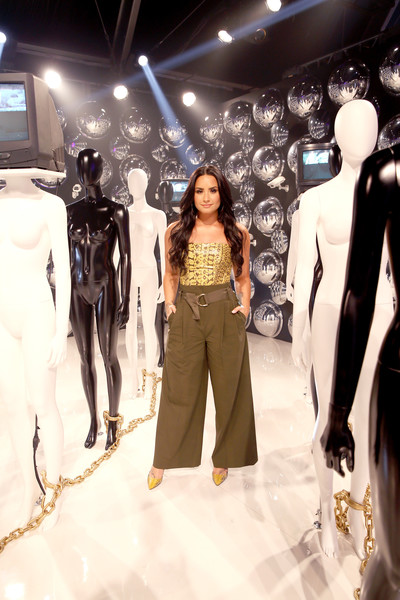 More Pics of Demi Lovato Pumps (4 of 9) - Heels Lookbook - StyleBistro [photo,fashion,fashion model,clothing,fashion design,fashion show,boutique,haute couture,model,automotive design,runway,demi lovato,caption,los angeles,refinery29 29rooms,29rooms,row dtla,refinery29,getty images,turn it into art opening night party]