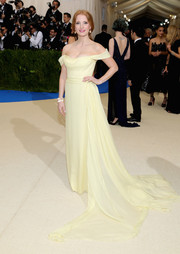 Jessica Chastain was the Belle of the ball in this pale-yellow off-the-shoulder gown by Prada during the 2017 Met Gala.