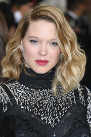 Lea Seydoux looked fabulous with her high-volume waves at the 2017 Met Gala.