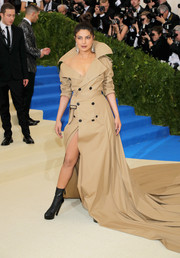 Priyanka Chopra made a head-turning entrance at the 2017 Met Gala in a voluminous trenchcoat gown by Ralph Lauren.