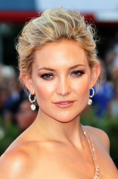 Kate Hudson showed off a luxe pair of diamond hoops at the Venice Film Festival premiere of 'The Reluctant Fundamentalist.'