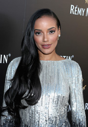 Selita Ebanks was elegantly coiffed with this gently wavy side sweep during Remy Martin's special evening with Jeremy Renner.