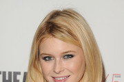 Renee Olstead Long Straight Cut