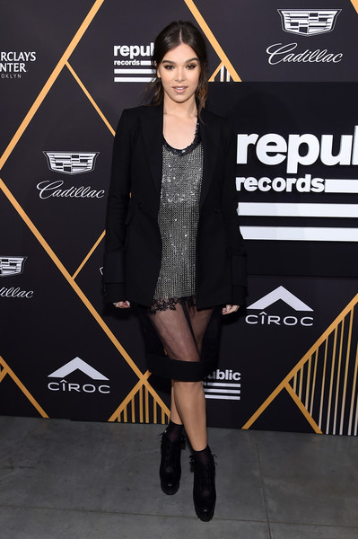 Hailee Steinfeld went for an edgy finish with a pair of black platform boots, also by Vera Wang.