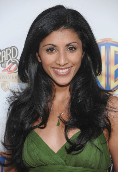 Reshma Shetty Long Wavy Cut