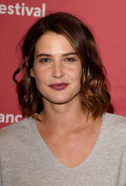 Cobie Smulders kept it casual yet pretty with this shoulder-length wavy 'do at the Sundance premiere of 'Results.'